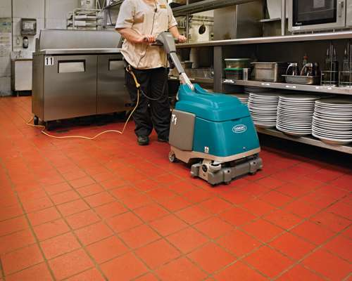 Tennant And Battery Compact Scrubber Powervac