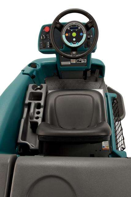 Tennant T16 Industrial Ride On Scruuber Powervac