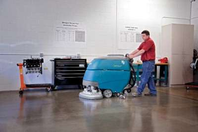 Tennant T5 Scrubber With Ec H20 Powervac Cleaning