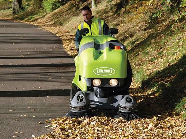 Tennant Green Machine 400 Series Sweeper Powervac